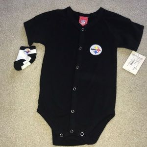 NWT- Infant Steelers Button Up Onesie with Socks